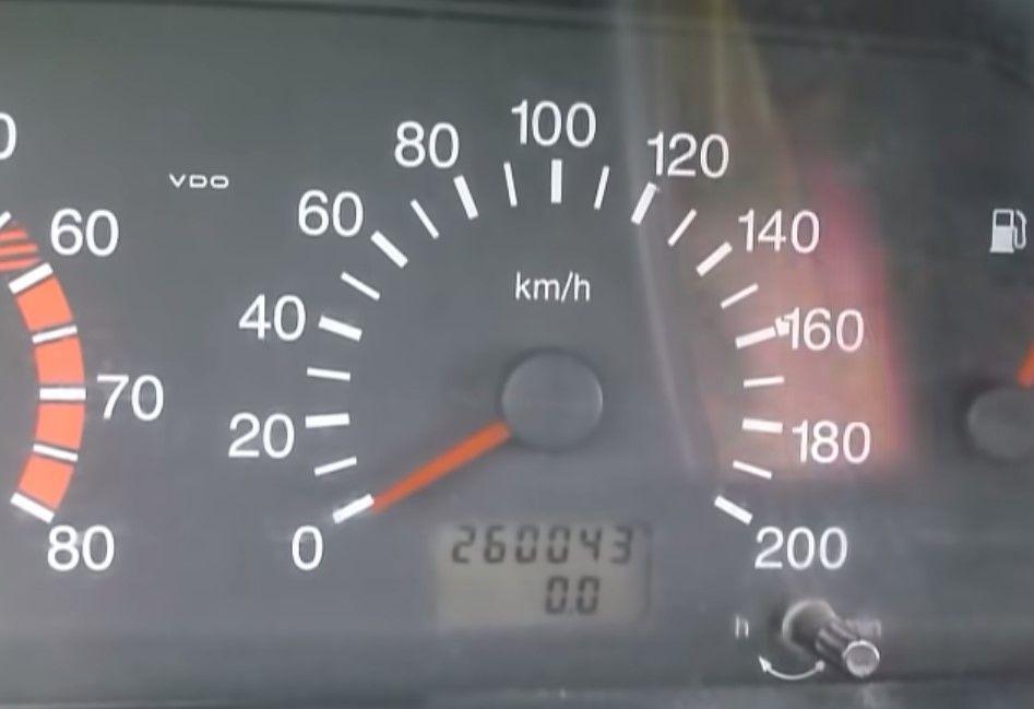 Как определить смотанный пробег автомобиля, советы при покупке бу авто